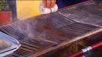 Cleaning your Cinders Grill